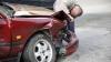 """""""TĂT NORMAL"""". Reacţia unui şofer beat care s-a izbit violent de un pilon la Botanica (VIDEO)"""