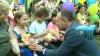 """Sute de copii de la Spitalul """"Emilian Coţaga"""" au primit cadouri de la Preşedintele Parlamentului"""