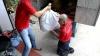 Nenorocirea nu l-a învins. Unul dintre cei mai apreciați curieri din China nu are picioare (VIDEO)