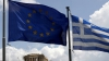 Mii de oameni au protestat în faţa Parlamentului din Atena şi au cerut ca Grecia să rămână în Zona Euro