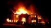 Hotel în flăcări. Zece oameni au murit, iar nouă au fost spitalizaţi