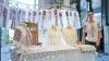 Meşterii de la Expoziţia de Ii, organizată în Capitală, arată şi explică procesul de confecţionare a hainelor