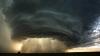 Privelişte ÎNFRICOŞĂTOARE: O tornadă uriaşă, filmată de o cameră de bord (VIDEO)