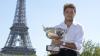 Stanislas Wawrinka a participat la o şedinţă foto cu trofeul câştigat la Roland Garros