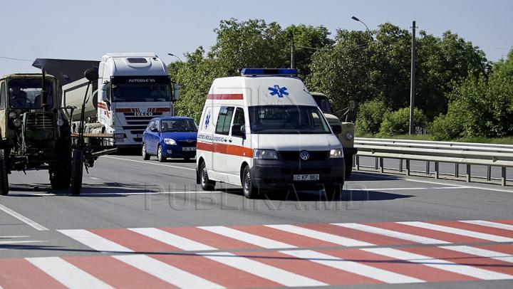 Accident dramatic la Ialoveni! Pariul NEBUN făcut de un bărbat era să-l coste VIAŢA