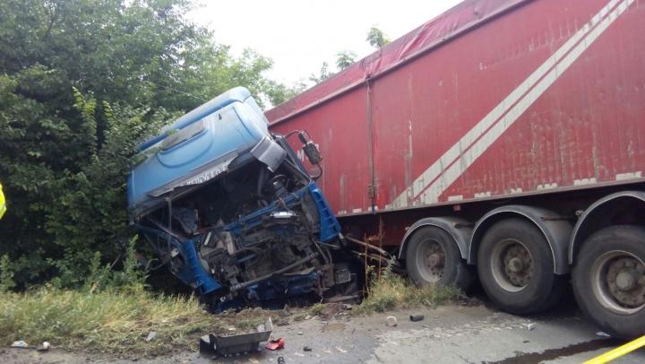 ACCIDENT GRAV pe şosea: O victimă a fost găsită în stare de inconştienţă (FOTO)