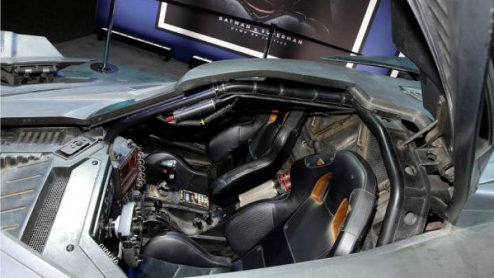 Noul automobil a lui Batman impresionează! Prin ce uimeşte şi ce performanţe atinge