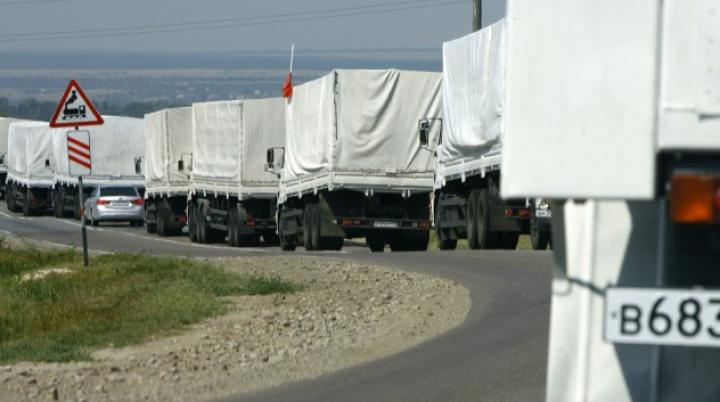 CARAMBOL pe autostradă! Convoiul rusesc cu ajutoare umanitare pentru Donbas, implicat în accident