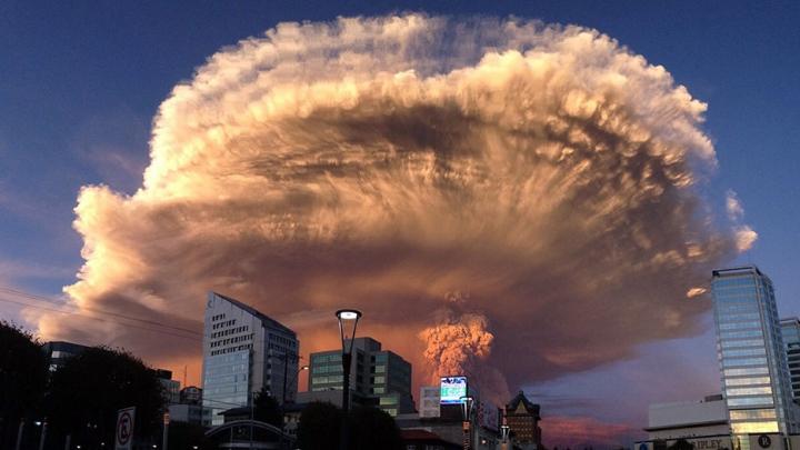 VIDEO FABULOS! Erupția spectaculoasă a unui vulcan din Chile, filmată în calitatea 4K