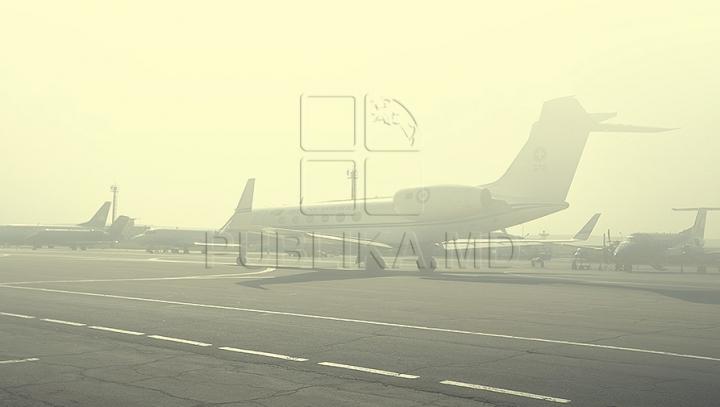ALERTĂ la bordul unui avion! Un moldovean violent a pus pe jar pasagerii şi pe membrii echipajului