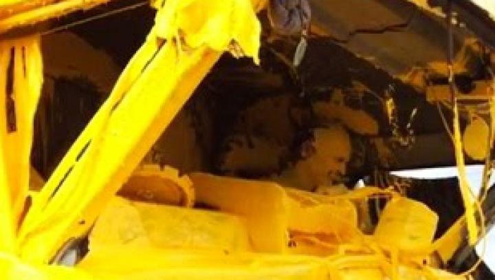 """Final colorat. Un """"Schumacher"""" de Rusia şi-a lovit camionul de maşina marcatorilor de drumuri (VIDEO)"""