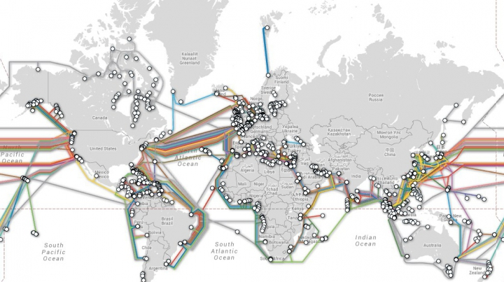Internet pe tot globul! Harta interactivă a reţelei de cabluri submarine