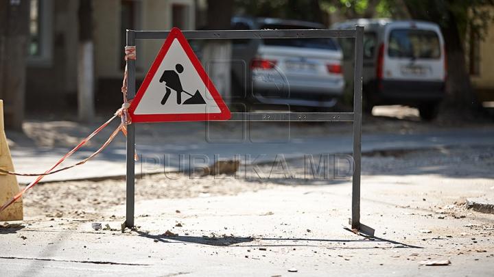 ATENȚIE, şoferi! Trafic SUSPENDAT, timp de o lună, pe strada Tighina din Capitală