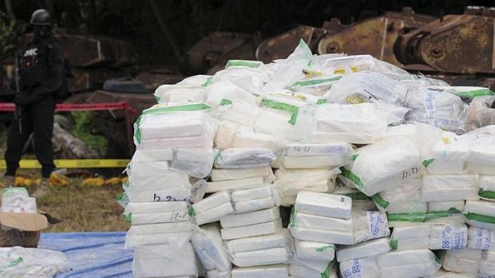 Droguri de UN MILIARD DE EURO! Poliţiştii au găsit patru tone de cocaină