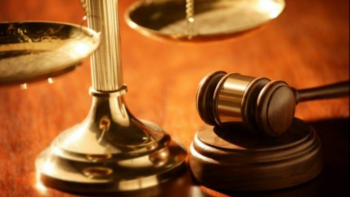 Și-au primit pedeapsa! Doi proxeneți din Capitală vor sta ani buni după gratii