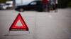 ACCIDENT RUTIER în Capitală! O maşină a fost aruncată de pe carosabil şi s-a izbit de un panou