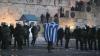 Capitala Greciei, transformată în câmp de bătălie. Protestatarii sunt nemulţumiţi de noile măsuri de austeritate