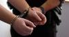 Le fura din scările blocurilor! Ce au găsit poliţiştii în ograda unui tânăr din Buiucani (VIDEO)