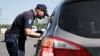 Sfaturile Juristului: Cum să procedez dacă agenţii de circulaţie vor să meargă cu maşina mea