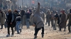 Ciocniri violente între protestatari musulmani şi forţele de ordine indiene la Kashmir