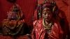"""Şi zeii se tem de cutremure. O """"divinitate vie"""" din Nepal, nevoită să-şi părăsească lăcaşul (FOTO)"""