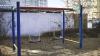 REVOLTĂTOR! Cu ce au fost murdărite leagănele şi toboganul unui teren de joacă din Capitală (VIDEO)