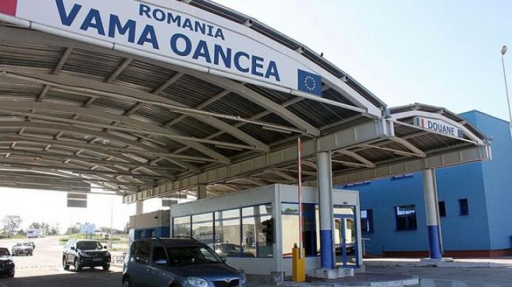 A răpit-o din Italia. Un tânăr, oprit de vameşii români în timp ce o aducea în Moldova (FOTO)
