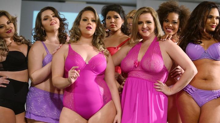Plus Size Fashion Week la Sao Paulo! Zeci de modele au defilat, etalându-și formele generoase
