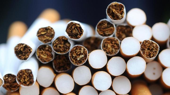 Două tentative de contrabandă cu ţigări, dejucate la vamă. Unde a fost ascunsă marfa (FOTO)