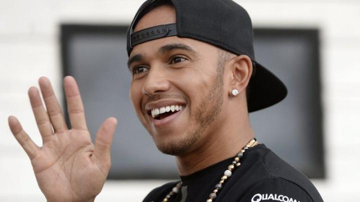 Lewis Hamilton va porni din pole position pe circuitul din Ungaria