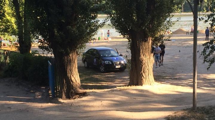 Martor ocular: Unde şi-a parcat maşina o echipă a Jurnal TV (FOTO)