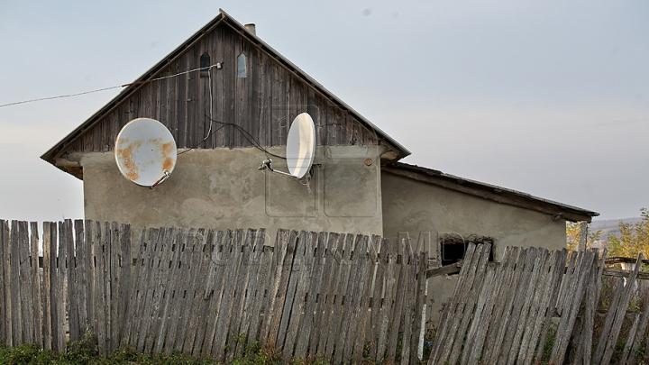 Descoperire cutremurătoare la Ungheni. Ce au găsit rudele dimineaţa în faţa casei (FOTO)