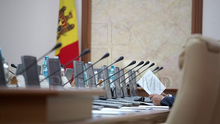 PLDM, PDM şi PL au convenit: Cum vor fi partajate ministerele în viitorul Guvern (LISTĂ)