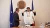 Victor Ponta a primit cadou o ie, din partea speakerului Andrian Candu