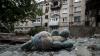Estul Ucrainei: Doi copii răniţi grav, maşini OSCE incendiate şi un maior rus reţinut şi interogat