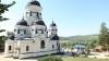 Sărbătoare mare! Zeci de oameni au participat la sfinţirea bisericii de la Mănăstirea Căpriana