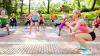 Fitness într-un parc din Capitală. Zeci de femei fac mişcare în aer liber (VIDEO)