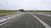 Apariţie neaşteptată! Şoferii care mergeau pe un drum din Ucraina au rămas de-a dreptul uimiţi (VIDEO)