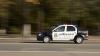 Accident la Buiucani. Un şofer, la spital după ce maşina i-a fost lovită de o alta cu girofar (VIDEO)