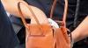 I-au furat geanta de sub nas. Poliţia caută suspecţi în sectorul Ciocana al Capitalei (VIDEO)