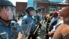 Ciocnirile dintre protestatarii de culoare şi poliţişti continuă în oraşul american Ferguson