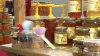 EVENIMENT DULCE în Capitală. Zeci de apicultori din ţară s-au adunat la Târgul mierii