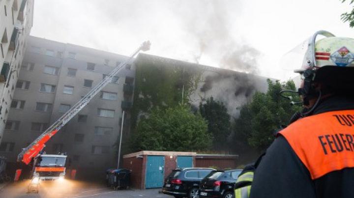 Incendiu la Hamburg: Zeci de oameni au fost răniţi în urma unei explozii
