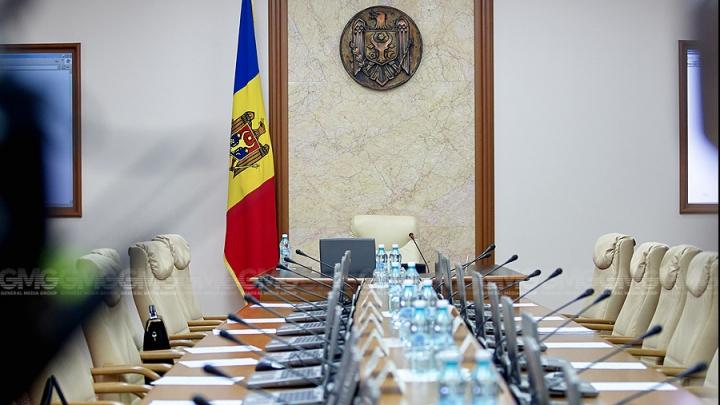 Numiri şi demisii la Guvern. Executivul are trei viceminiştri noi