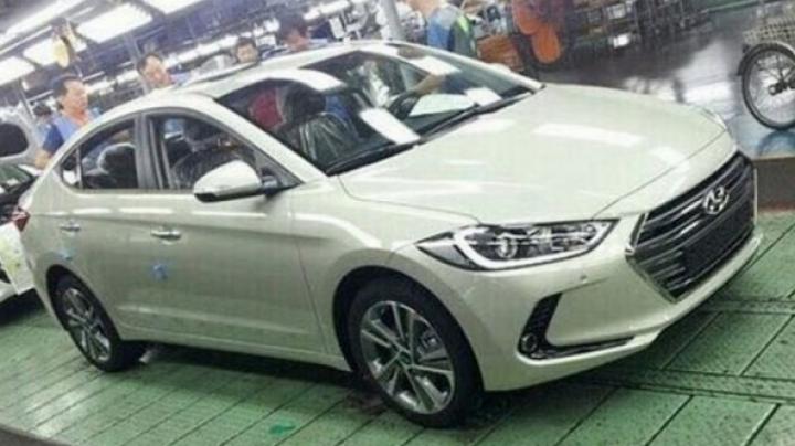 Imagini spion: Noul Hyundai Elantra este tot mai aproape de lansare (FOTO)