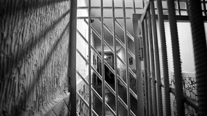 """ESCAPADA s-a încheiat! Deţinutul care a evadat de la penitenciarul """"Pruncul"""" a fost prins"""