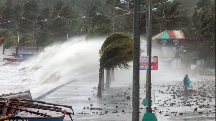 Taifunul Yutu face ravagii în Filipine. Nouă oameni au murit și cel puţin 30 sunt dați dispăruţi