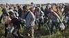 EXODUL imigranţilor continuă. Mii de oameni au ajuns la graniţa sârbo-croată