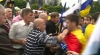 Încăierare între protestatarii DA şi unionişti la manifestaţia din centrul Chişinăului