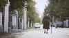 LA LIMITA SĂRĂCIEI. Chinurile îndurate în fiecare zi de bătrânii din Republica Moldova